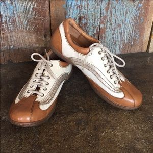 Born Brown & Cream Lace Up Shoes